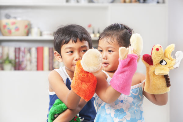 Play Therapy - Kids with puppets